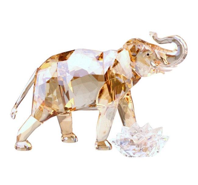 Swarovski Cinta Elephant Mother Crystal Figurine, Est. $100-$200
