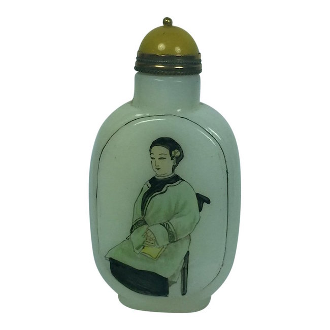 Painted White Agate Snuff Bottle, Est. $100-$200, Nov. 6 Jasper52 Sale
