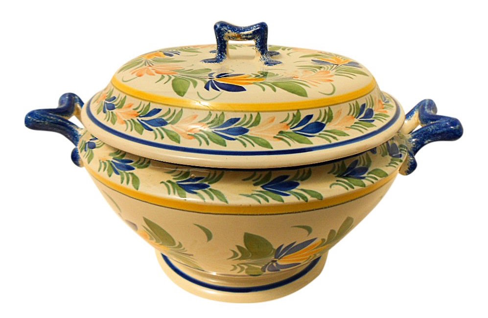 Henriot Quimper French Vintage Faience Soup Tureen, 1950. Sold for $260