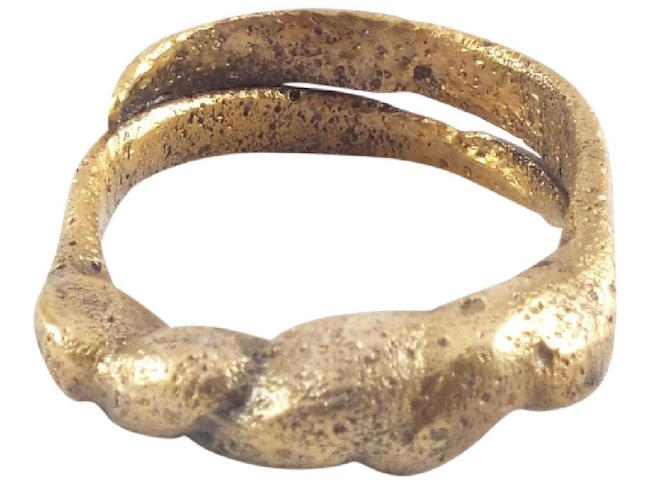 Viking warrior's ring, 9th century, size 10 1/4. Estimate: $300-$400. Jasper52 image